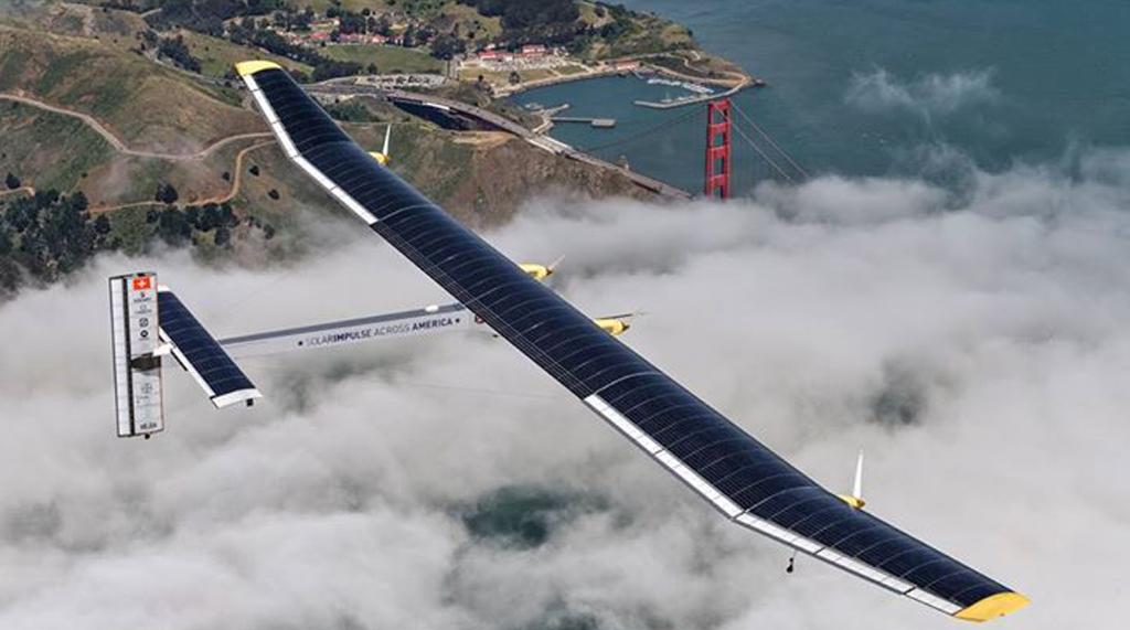 Solar Impulse 2 katika moja ya safari zake za majaribio