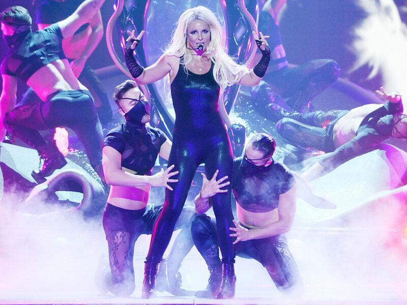 Britney Spears Akiwa Anatumbuiza